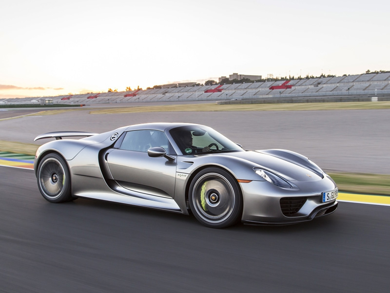 The Porsche 918 Spyder Is S First Supercar With A Hybrid Electric Drivetrain